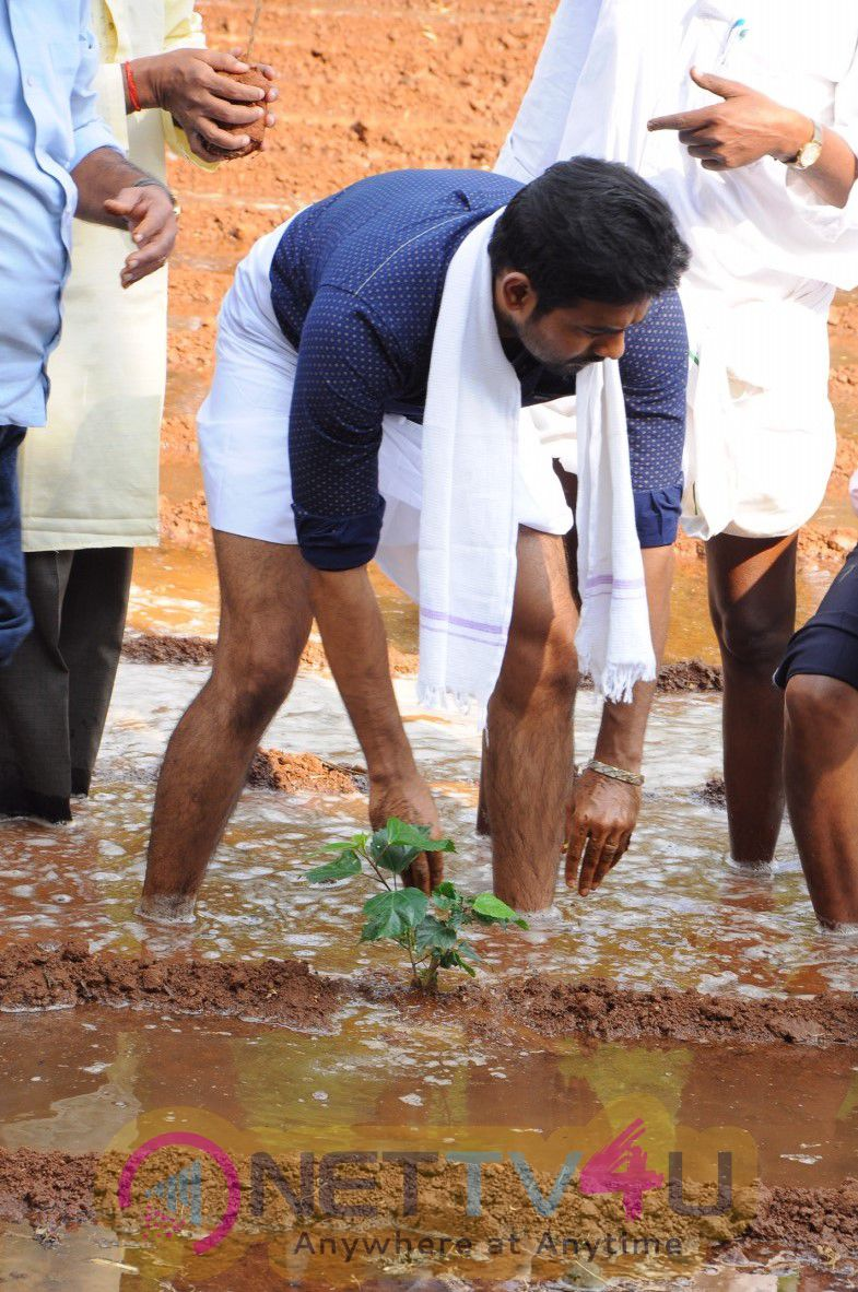 Nature Agriculture Store Open Inaugurated Actor Aari Attractive Stills Tamil Gallery