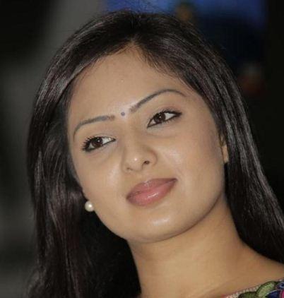 Nikesha Patel In A Murder Story!