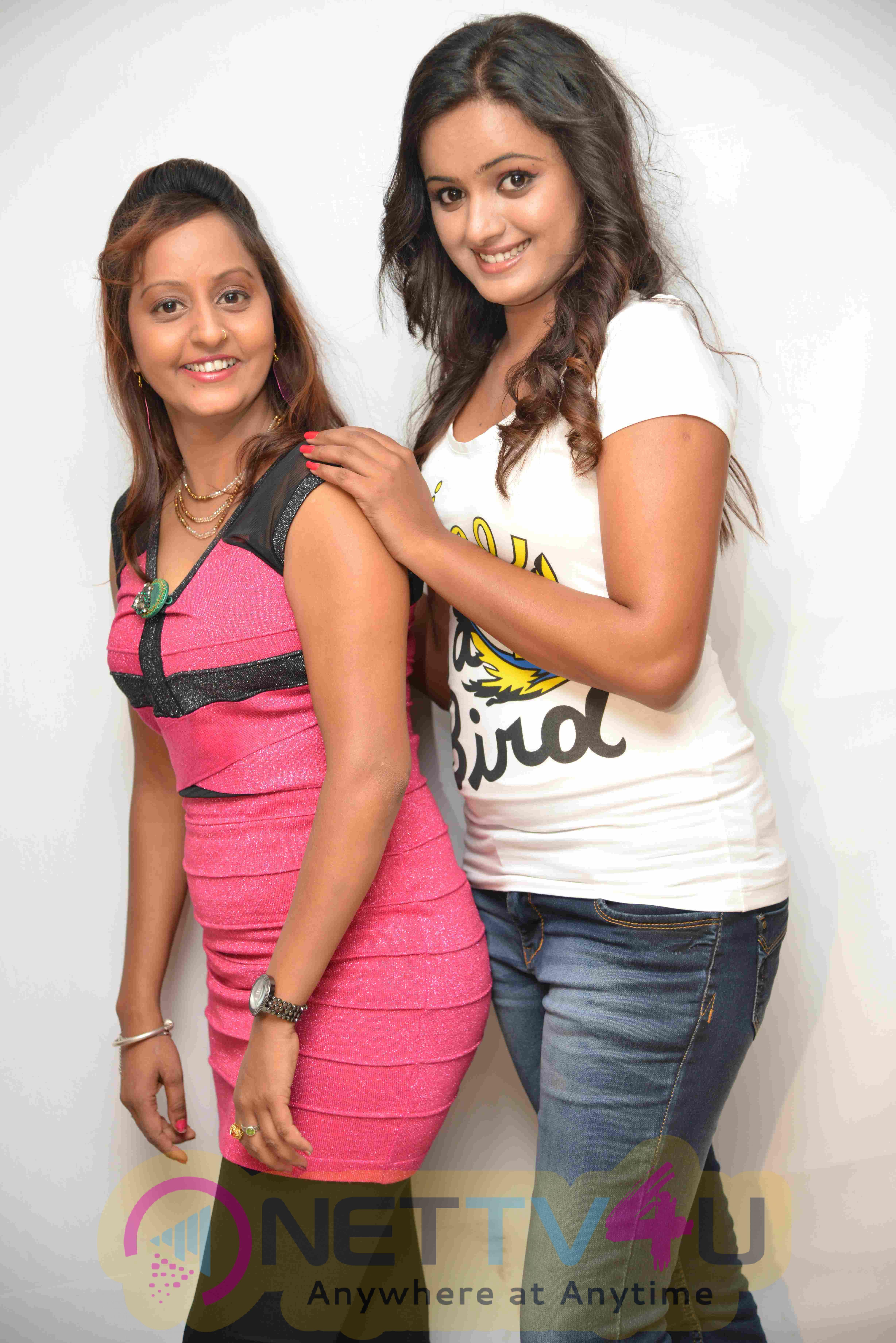 Nanna Ninna Prema Kathe Movie Press Meet Photos Kannada Gallery