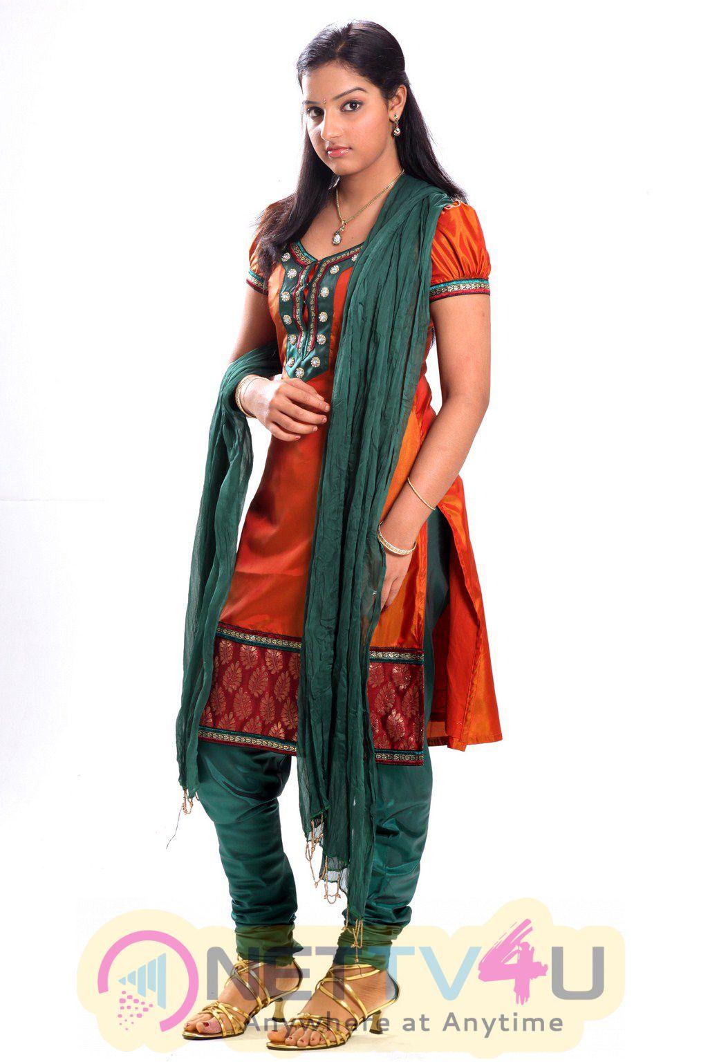 Nijama Nizhala  Tamil Movie Stills And Exclusive Photos