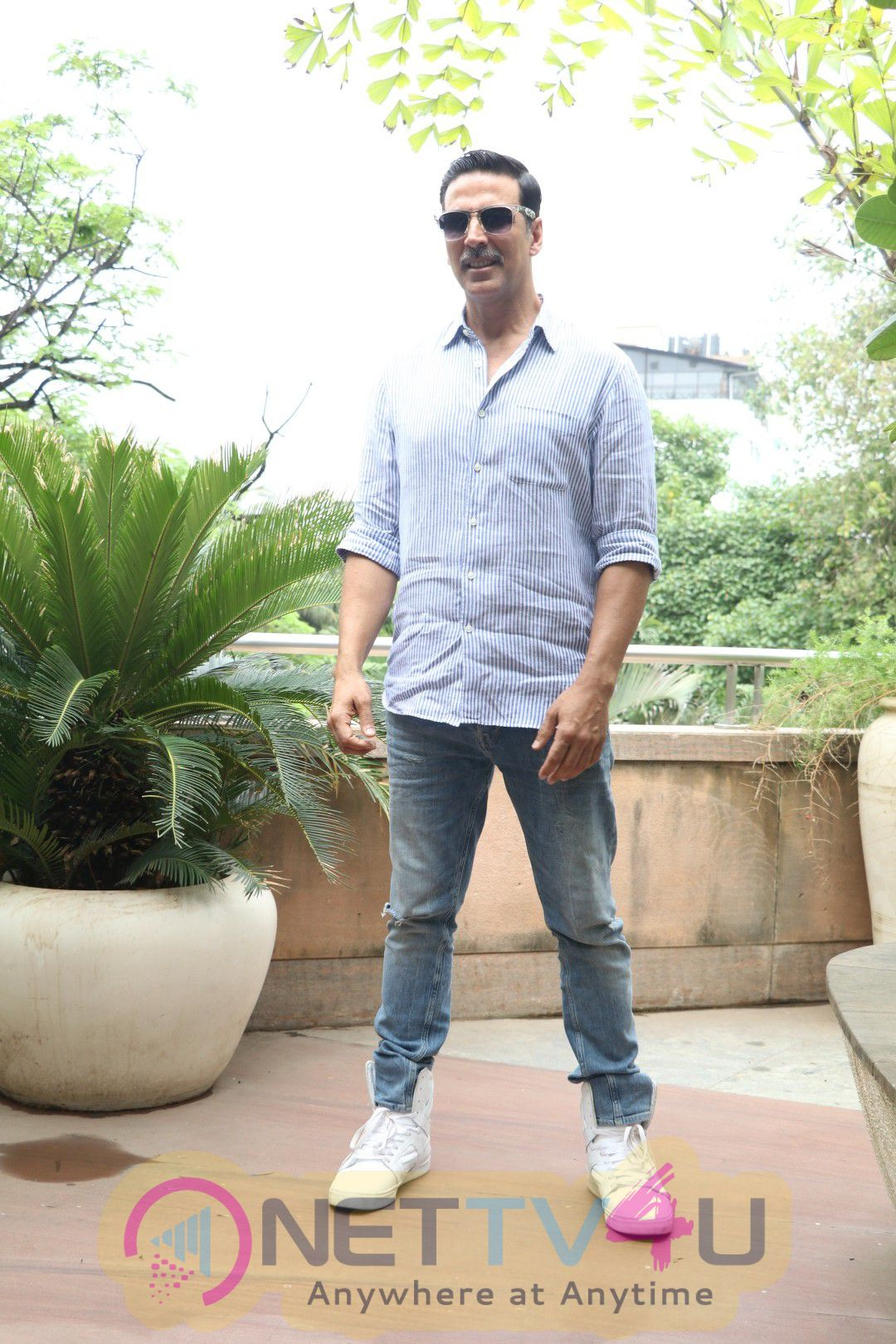Photos Of Success Interview For Film Rustom With Akshay Kumar