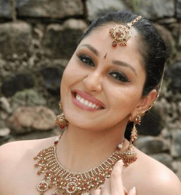 Pooja Chopra Hindi Actress