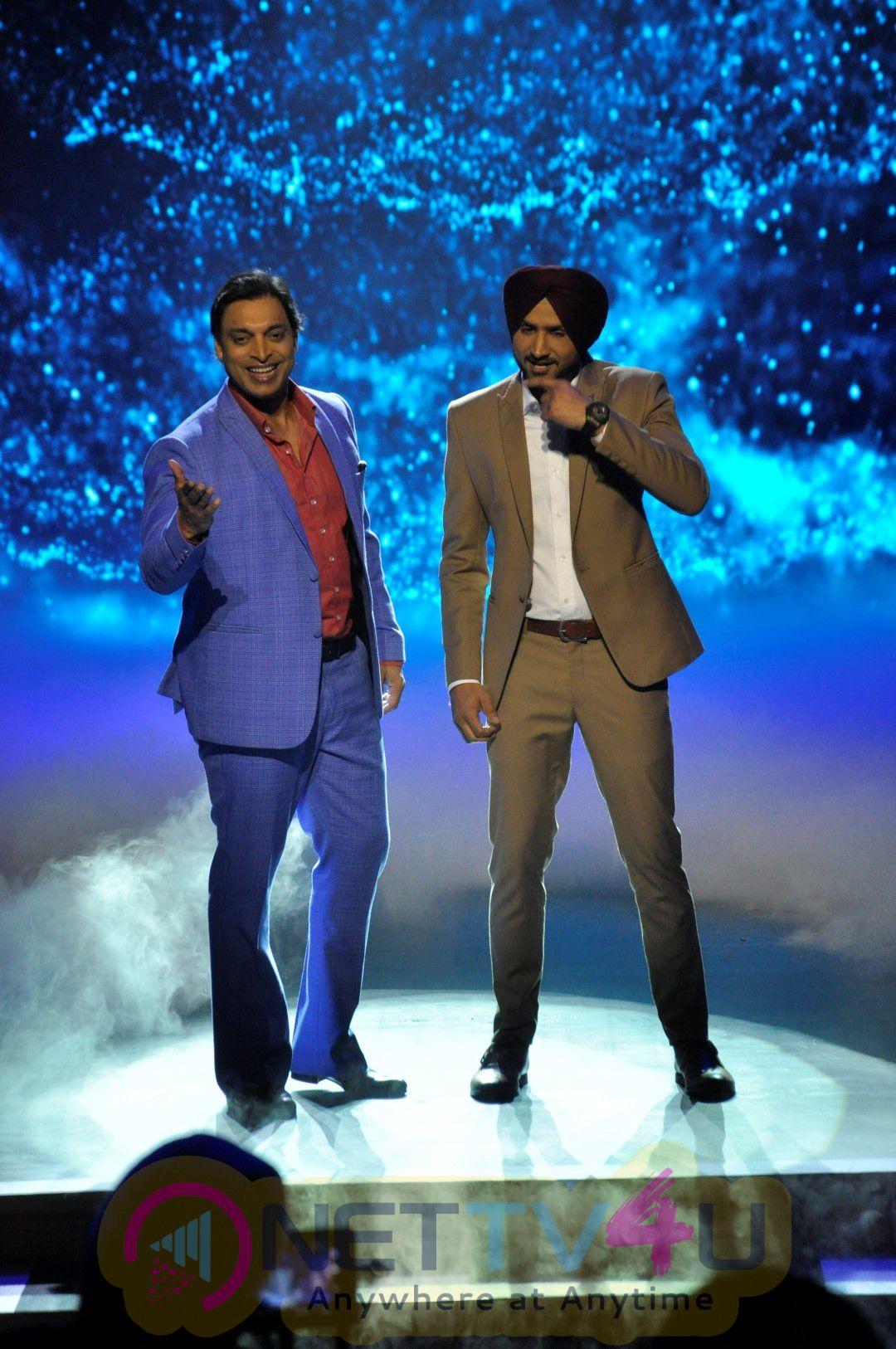 Promo Shoot Of Mazak Mazak Mein With Harbhajan Singh & Shoaib Akhtar Elegant Photos