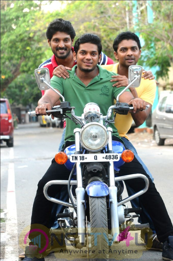 Pattaye Kellapum Pasanga Tamil Movie Gallery Pictures