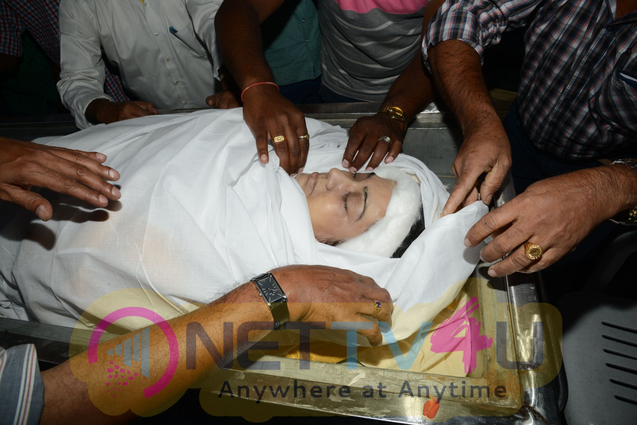photos of south film industry celebrities pays tribute to actress kalpana  121