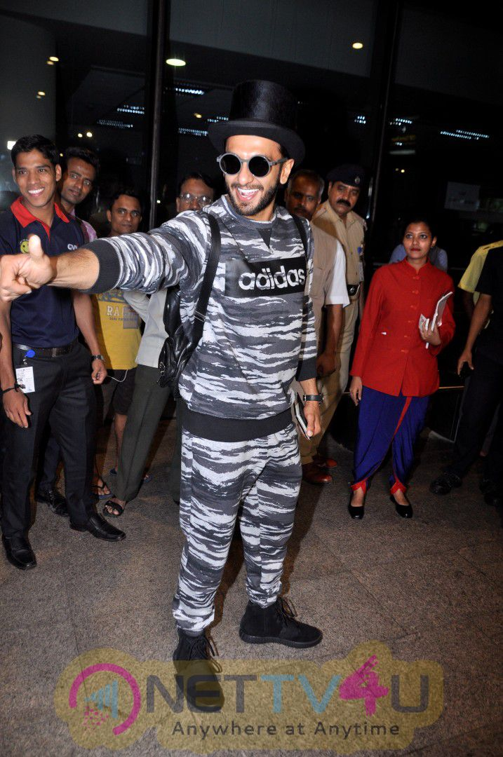 Ranveer Singh Spotted At Airport Good Looking Stills