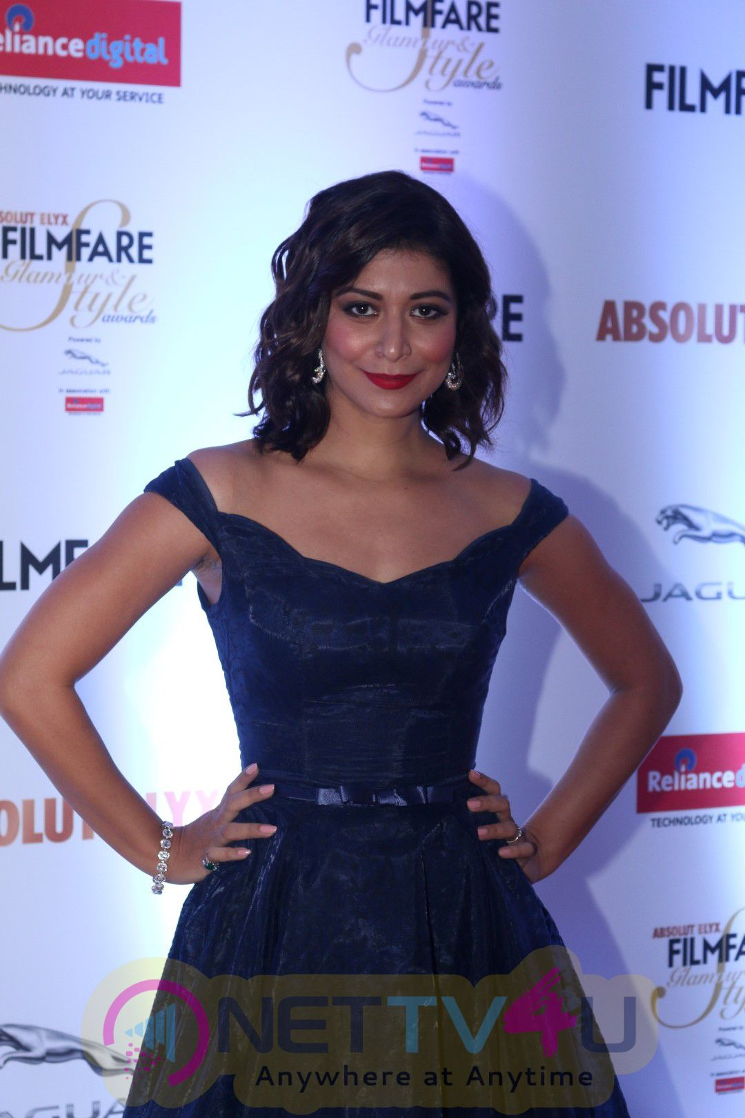 Red Carpet Of FilmFare Glamour & Style Awards Photos