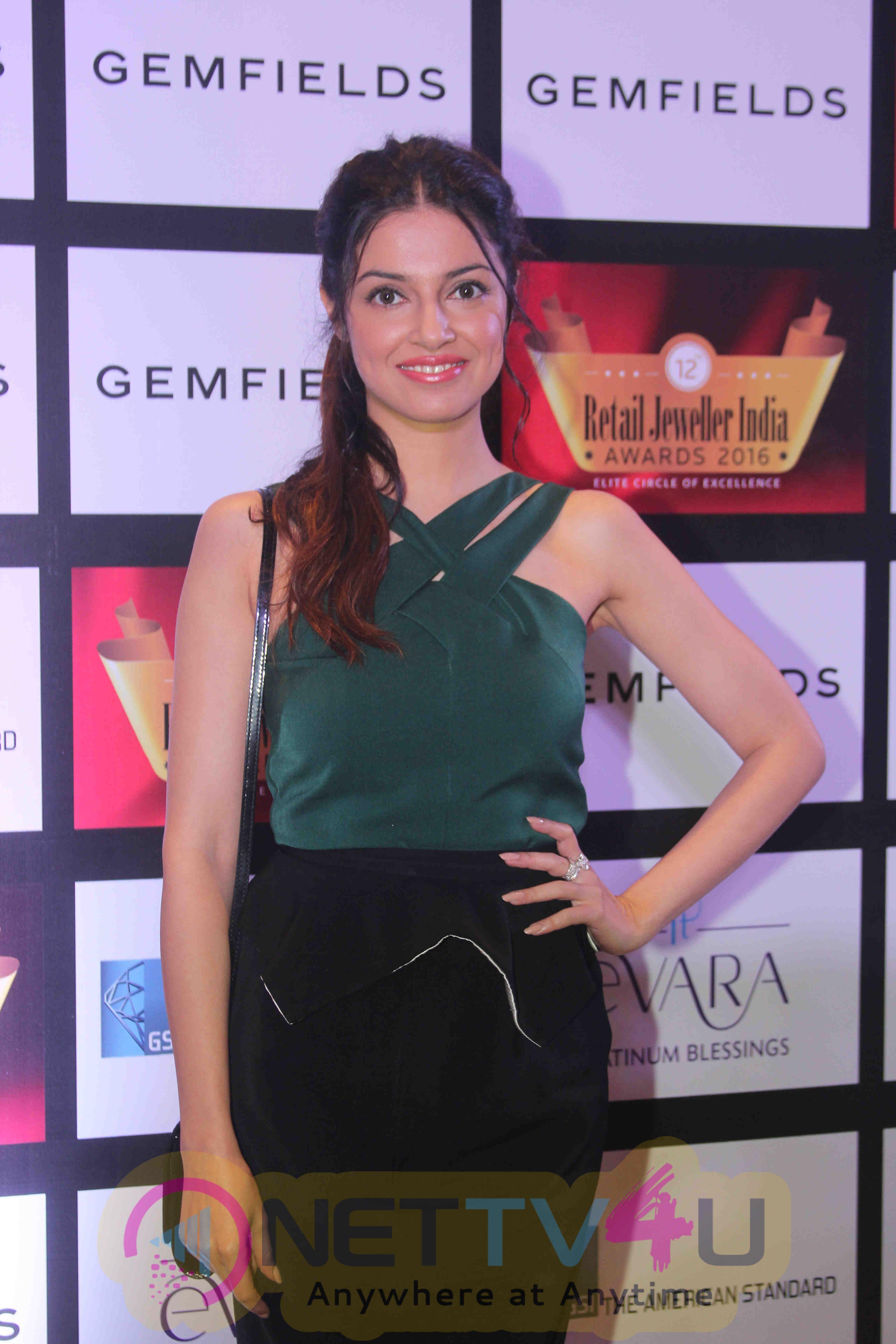 Retail Jeweller India Awards 2016 Grand Jury Meet Statuesque Stills Hindi Gallery