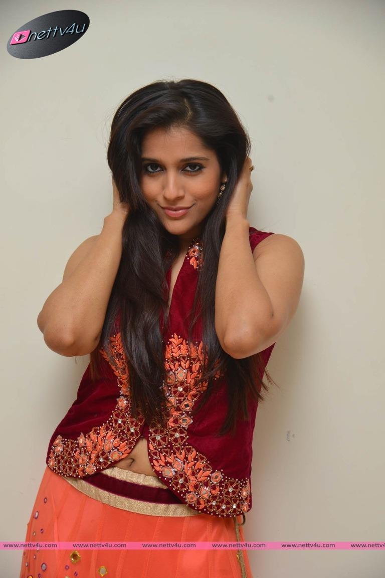 Actress Rashmi Gautam Cute Pictures