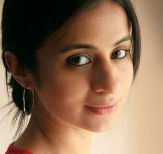 Rasika Dugal Makes Her Mollywood Debut With Dulquer!