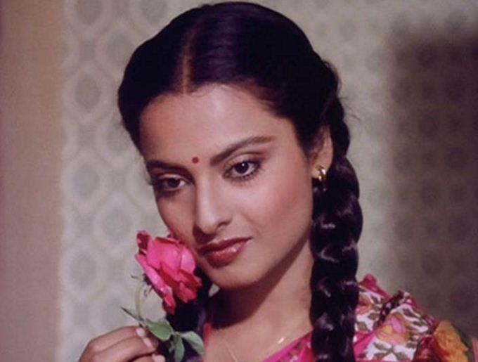 Rekha Will Be Honored With Yash Chopra Memorial Award!