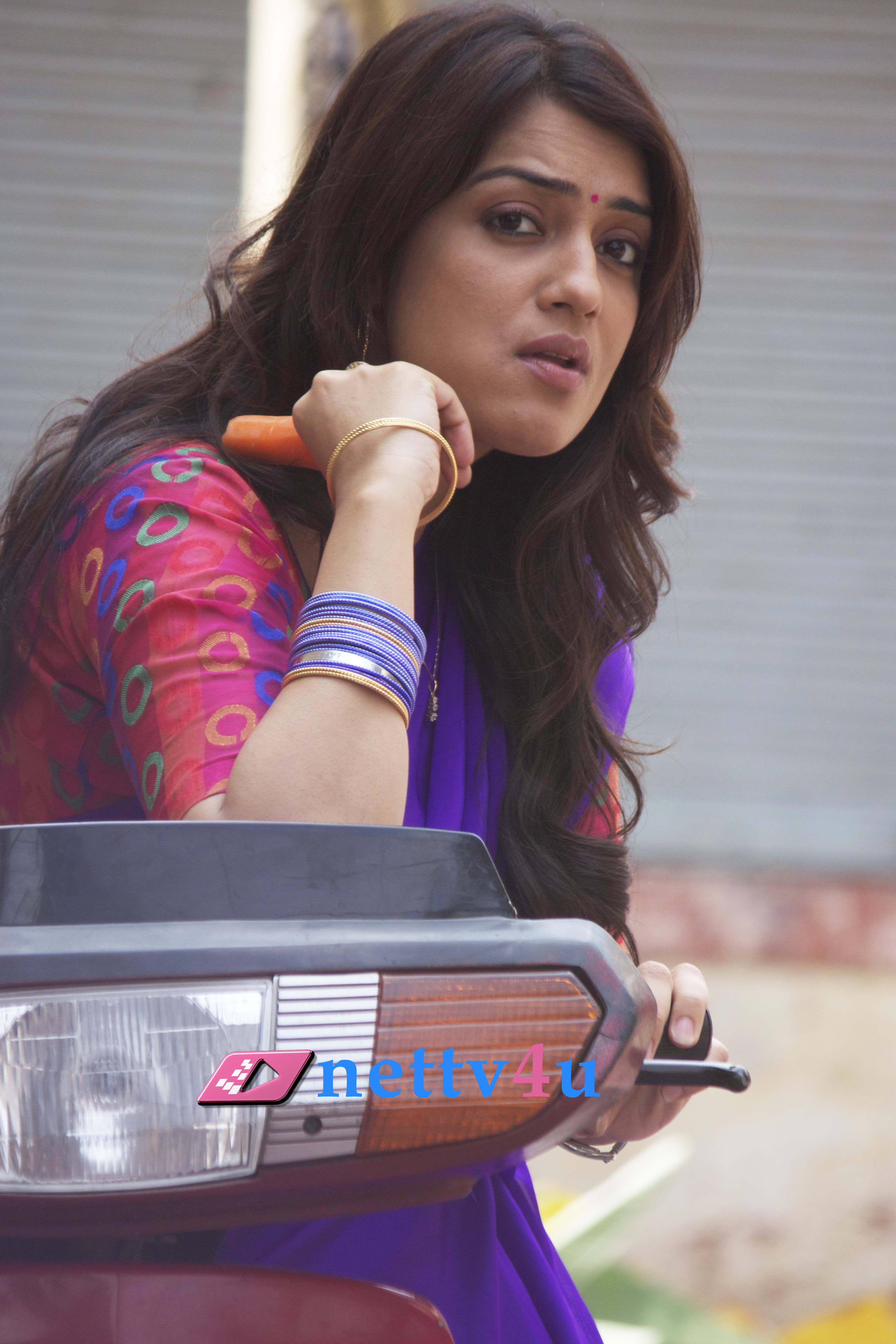 Actress Nikita Thukral Glamour Stills