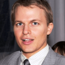 Ronan Farrow English Actor