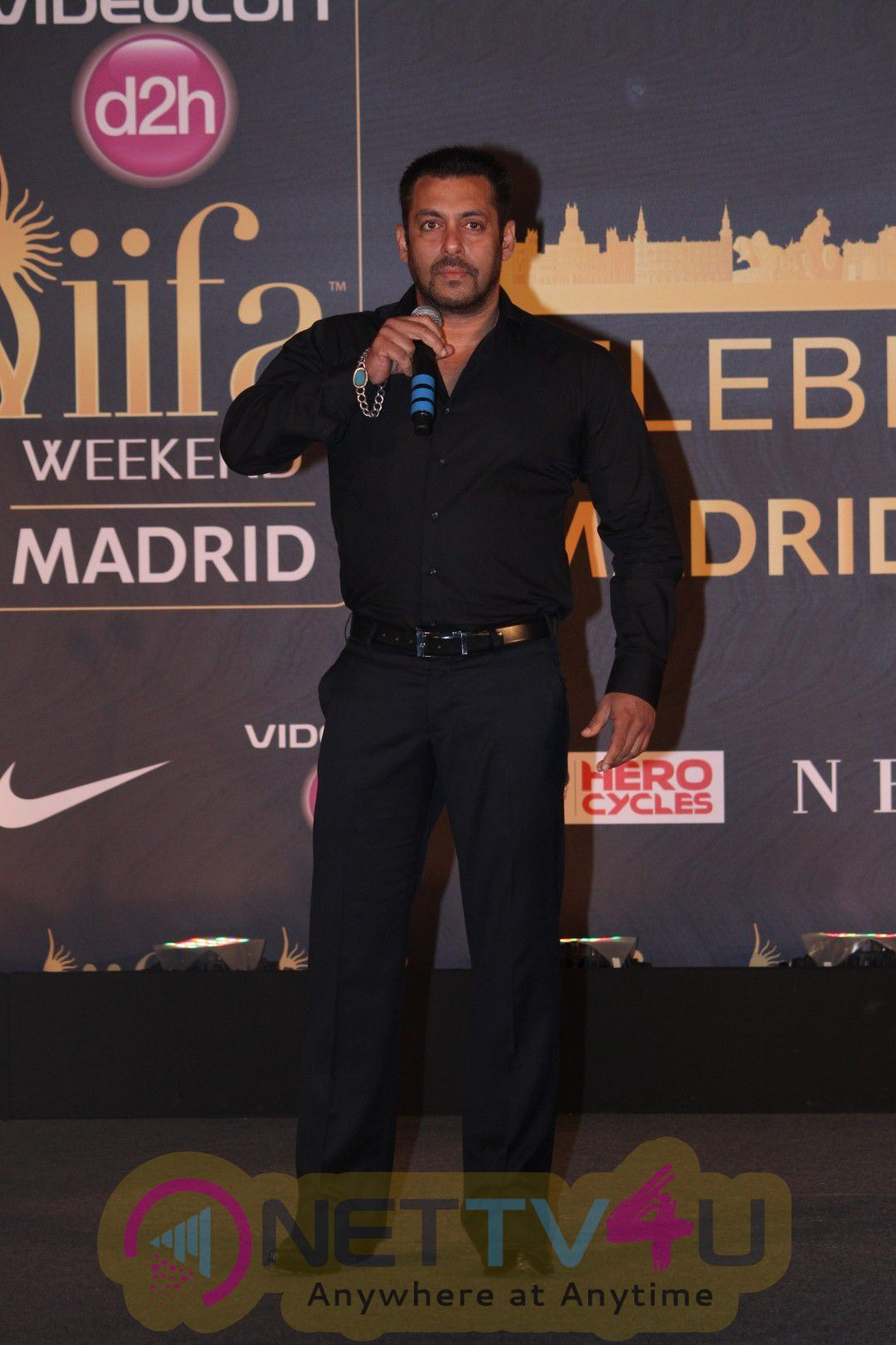Salman Khan & Anil Kapoor At Announcement Of 17th Edition Of IIFA Award Exclusive Photos