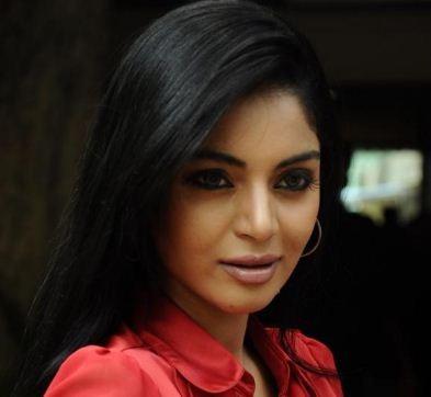 Sanam Shetty's Next Is Thagadu!