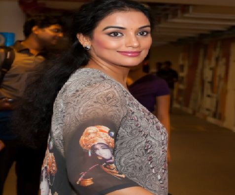 Shweta Menon Aims Bigger Than Rathinirvedam!