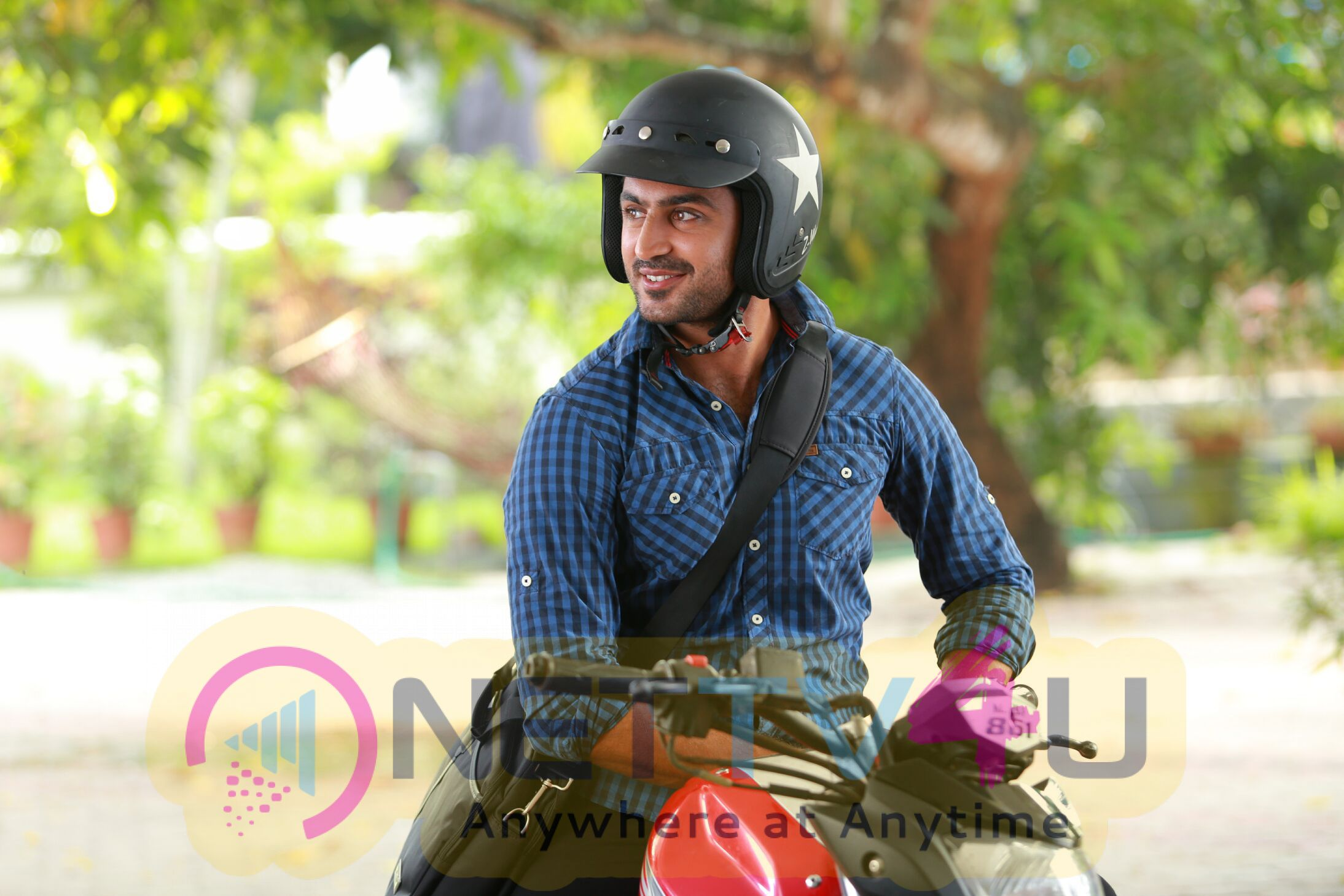 Shyam New Malayalam Movie Romantic Images