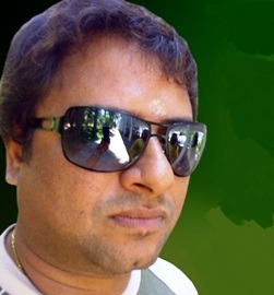 SL Balaji Tamil Actor