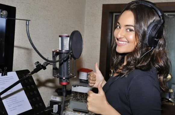Sonakshi Croons A Promotional Song For Akira!