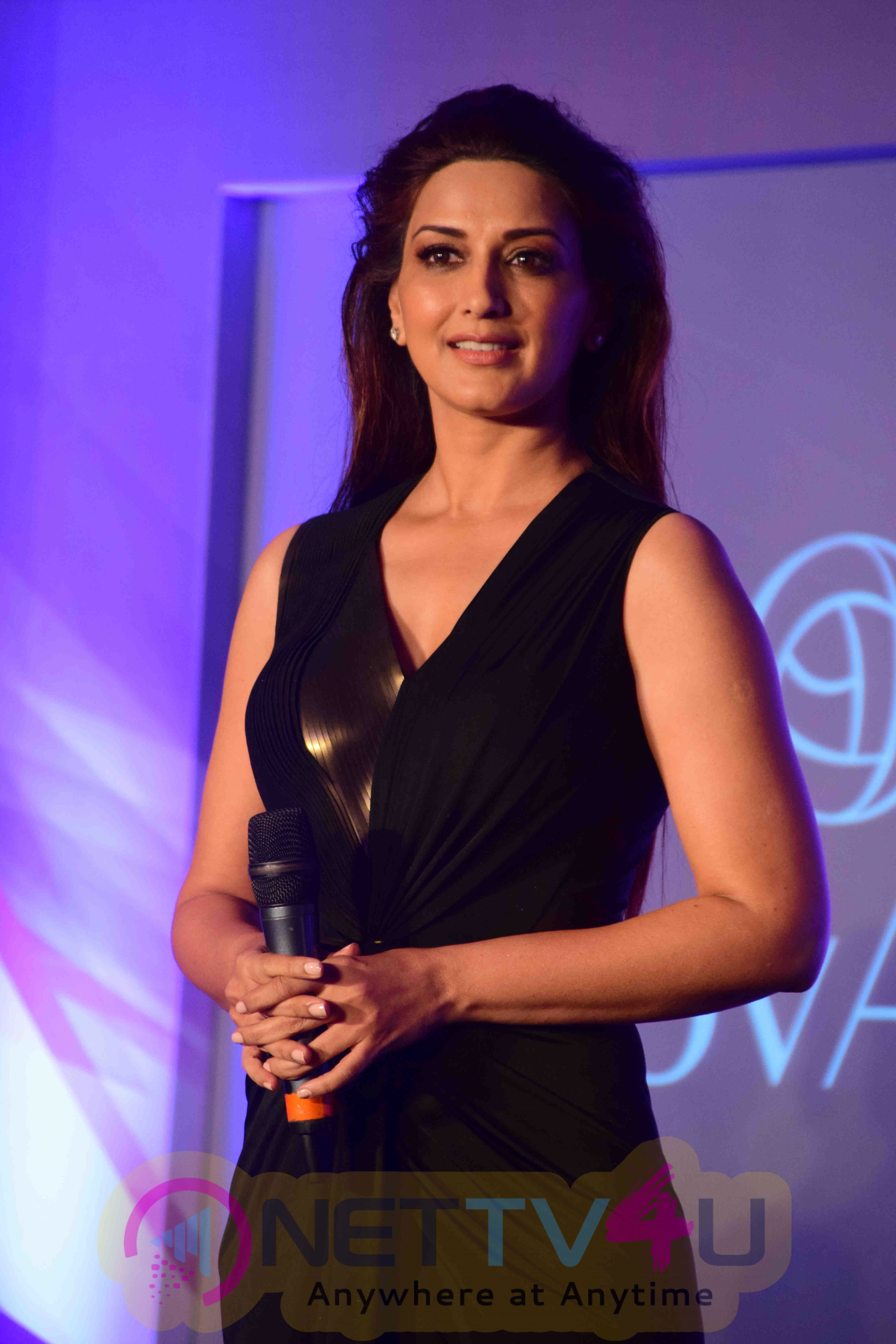 Sonali Bendre At Launch Of Oriflame New Skin Care Range Products Images