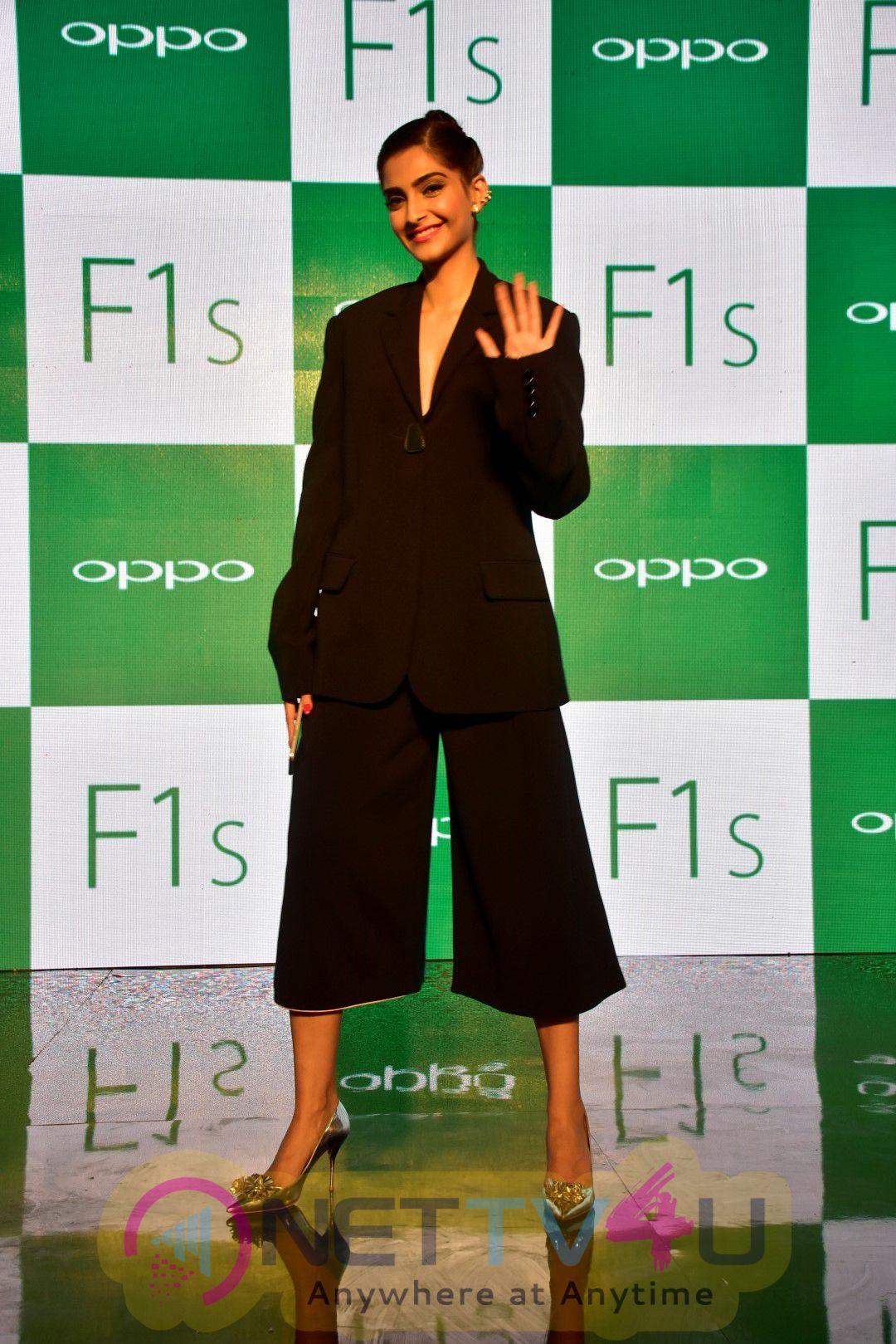 Sonam Kapoor & Yuvraj Singh Launch New Oppo Mobiles Good Looking Photos