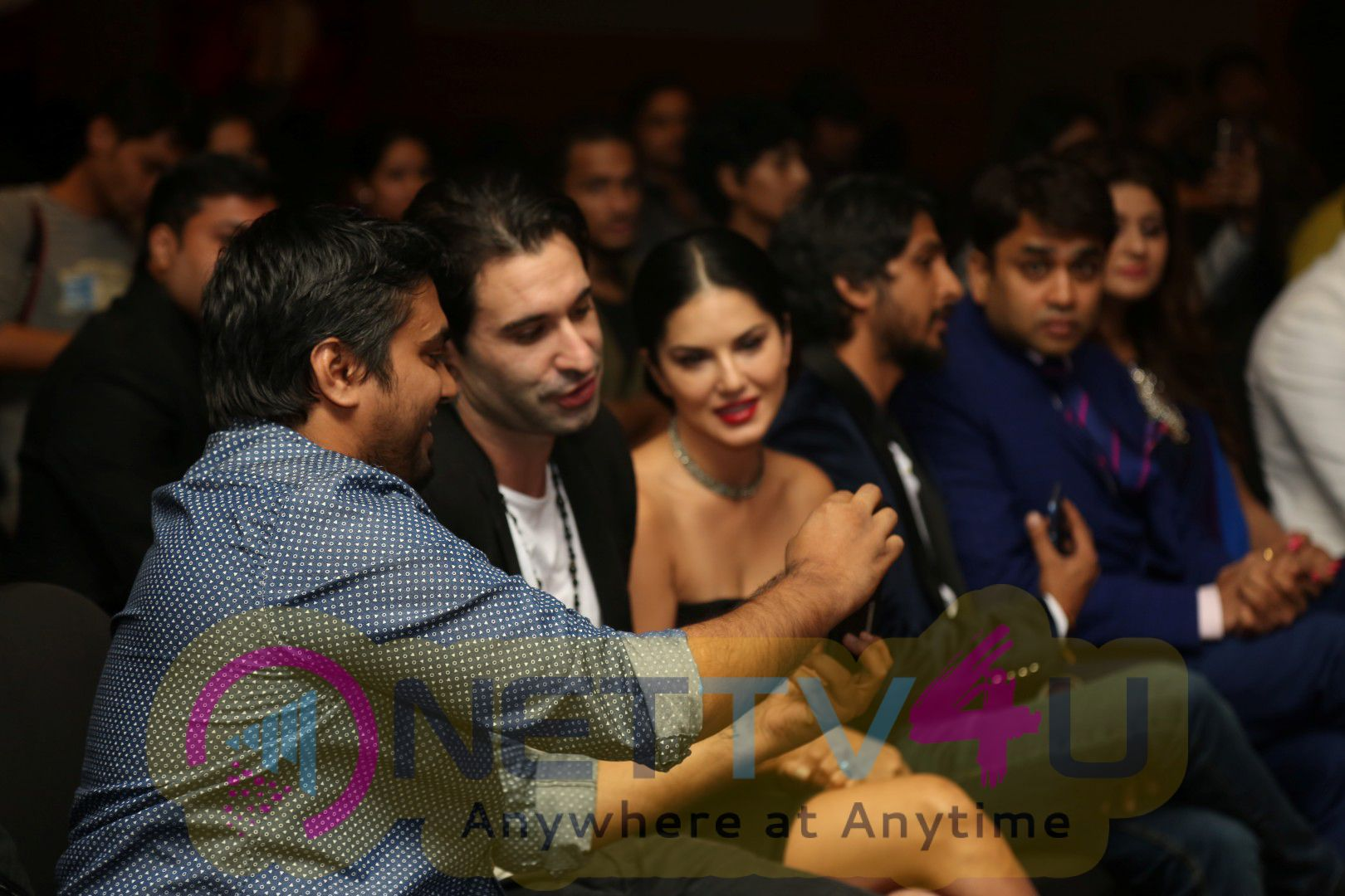 Song Tu Zaroorat Nahi Tu Zaroori Hai From The Movie Fuddu Launch By Sunny Leone & Sharman Photos