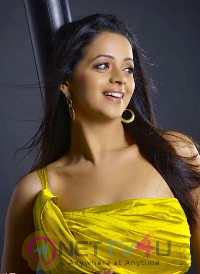 South Indian Actress Bhavana Menon Latest Glamour Photos