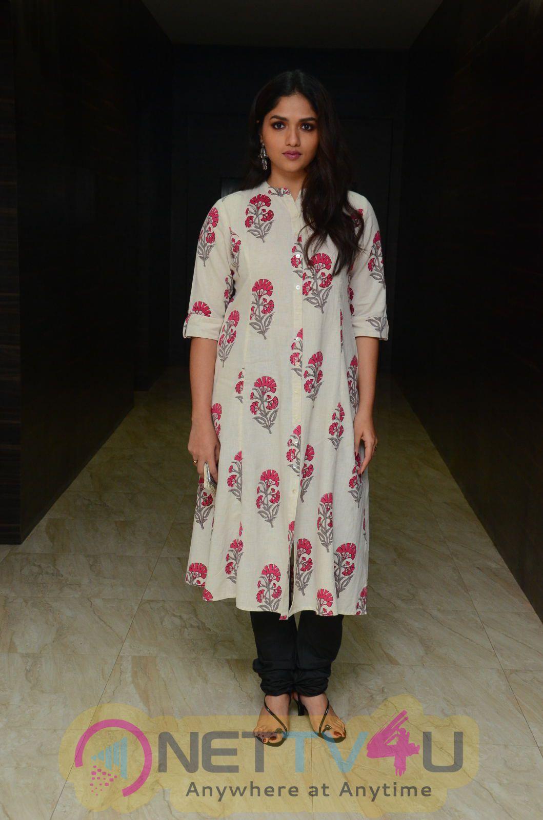 Sunaina Good Looking Photos