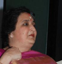 Supreme Court Issues Notice To Latha Rajinikanth!