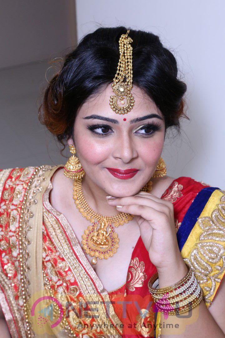 Sushma Khan Gave Valuable Tips At Lakme Bridal Illuminate Looks Work Shop At Himayathnagar Stills Telugu Gallery