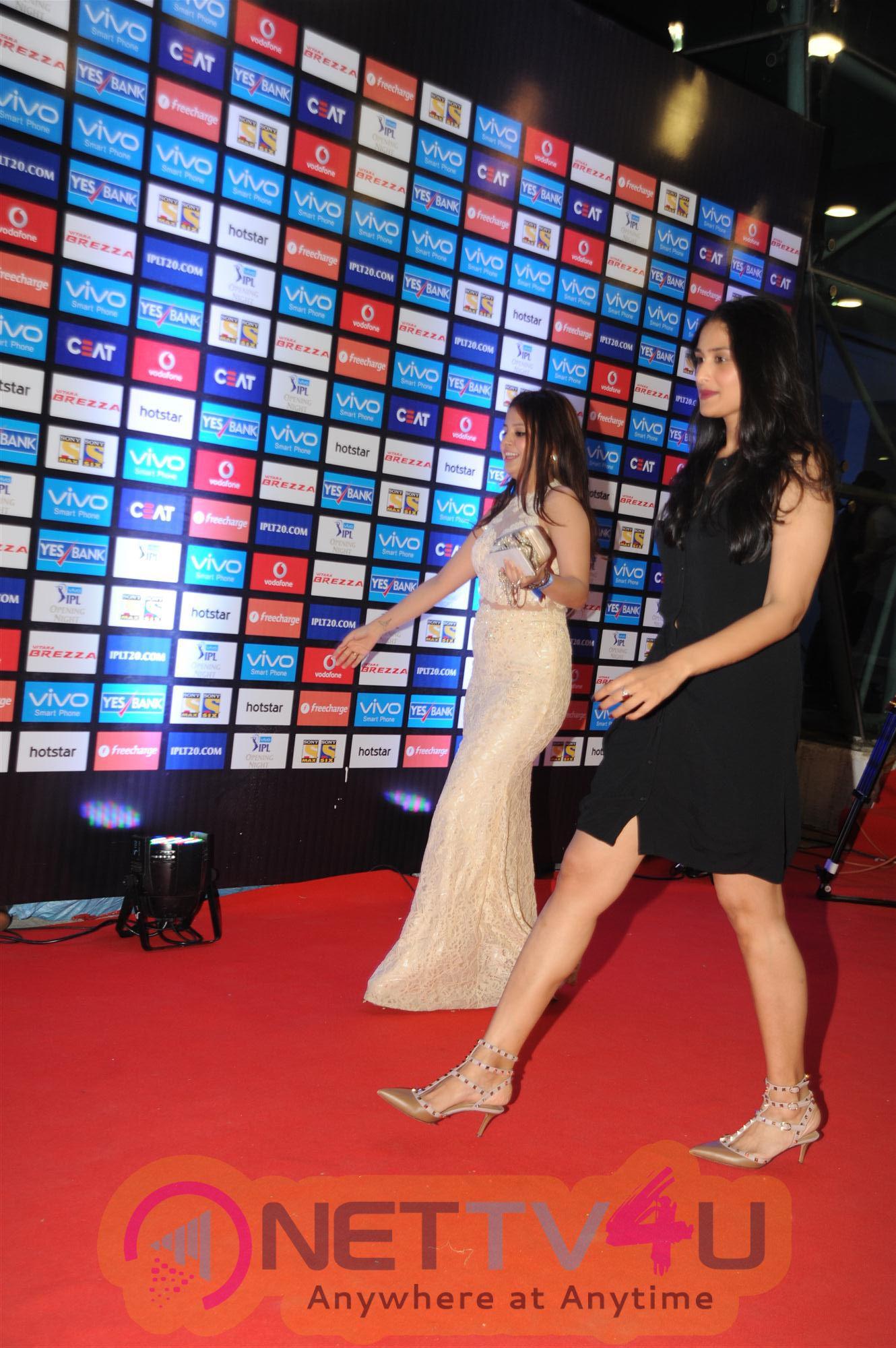 Sanjay Dutt Manyata Attend The Red Carpet Function Of IPL 2016 Photos