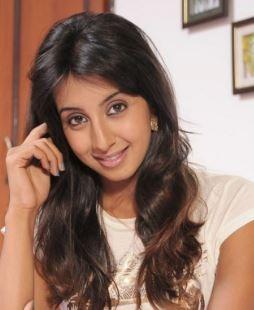 Sanjjanaa Plays In A De-glam Role!