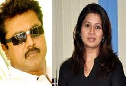 Sarathkumar Being Complained For Hitting Sangeetha!