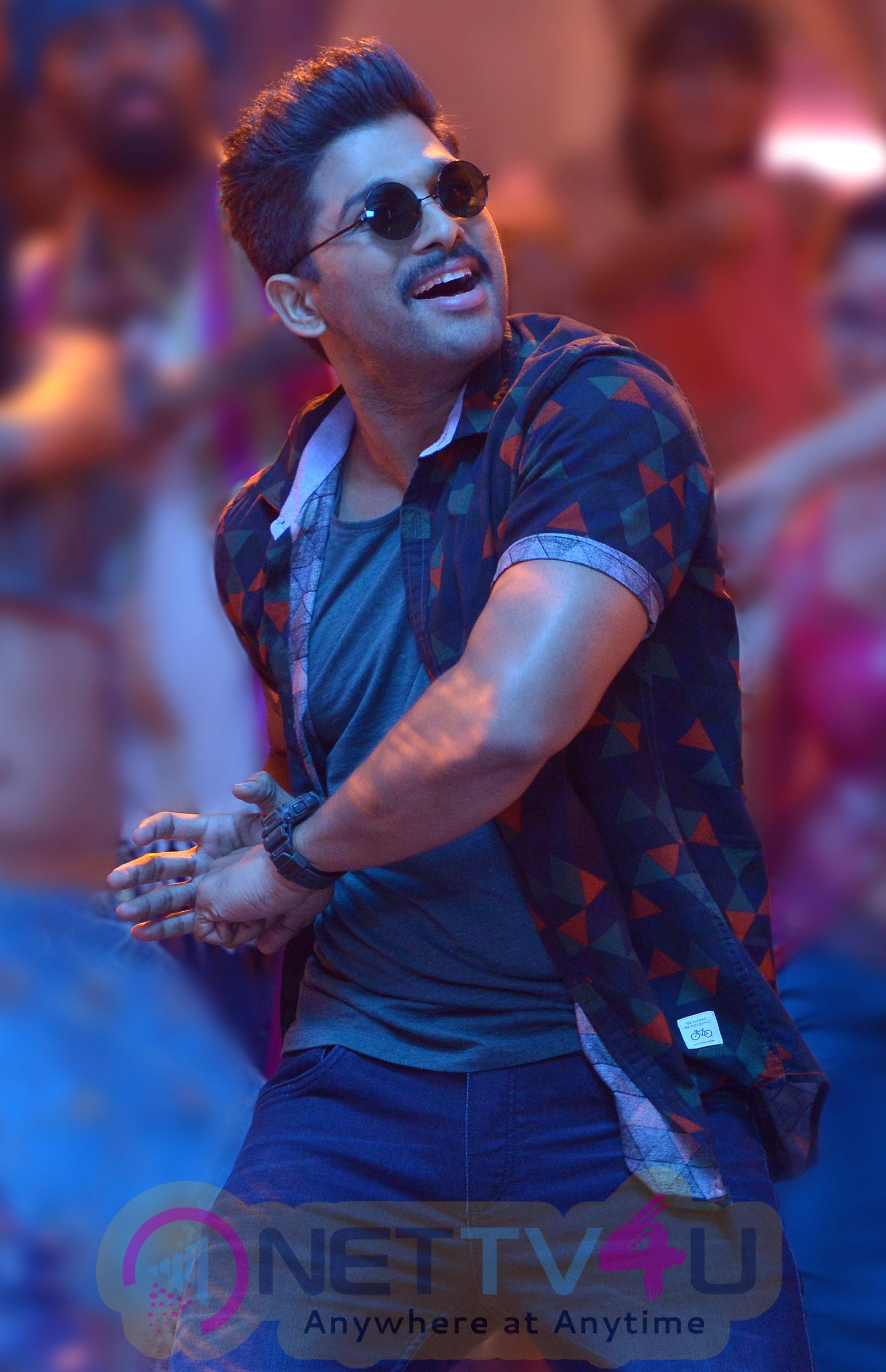 Sarrainodu Telugu Movie Latest New Stills | Nettv4u.com