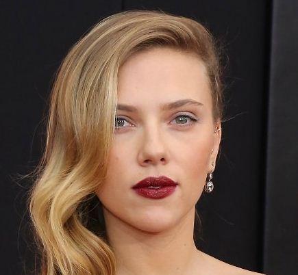 Scarlett Johansson Rewinds Her Past!