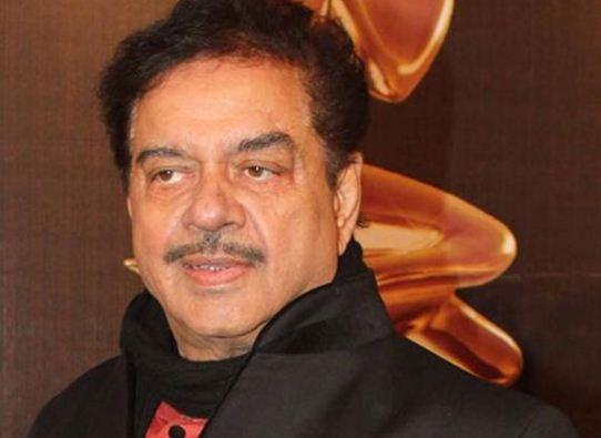 Shatrughan Sinha Celebrates His Birthday Today In Kerala!