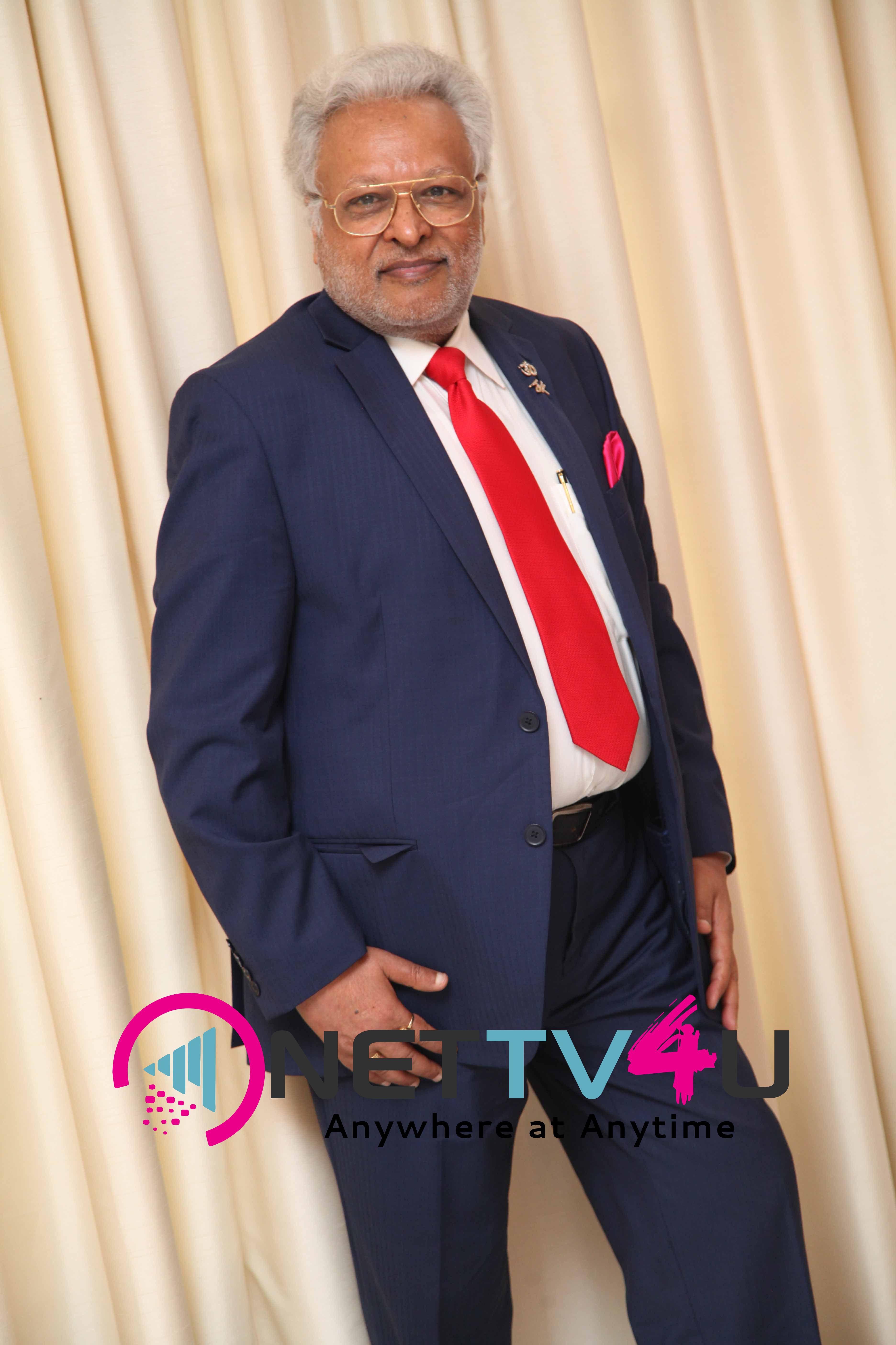 singer daler mehndi   shalabh kumar joined to produce kannada film check pressmeet stills 12