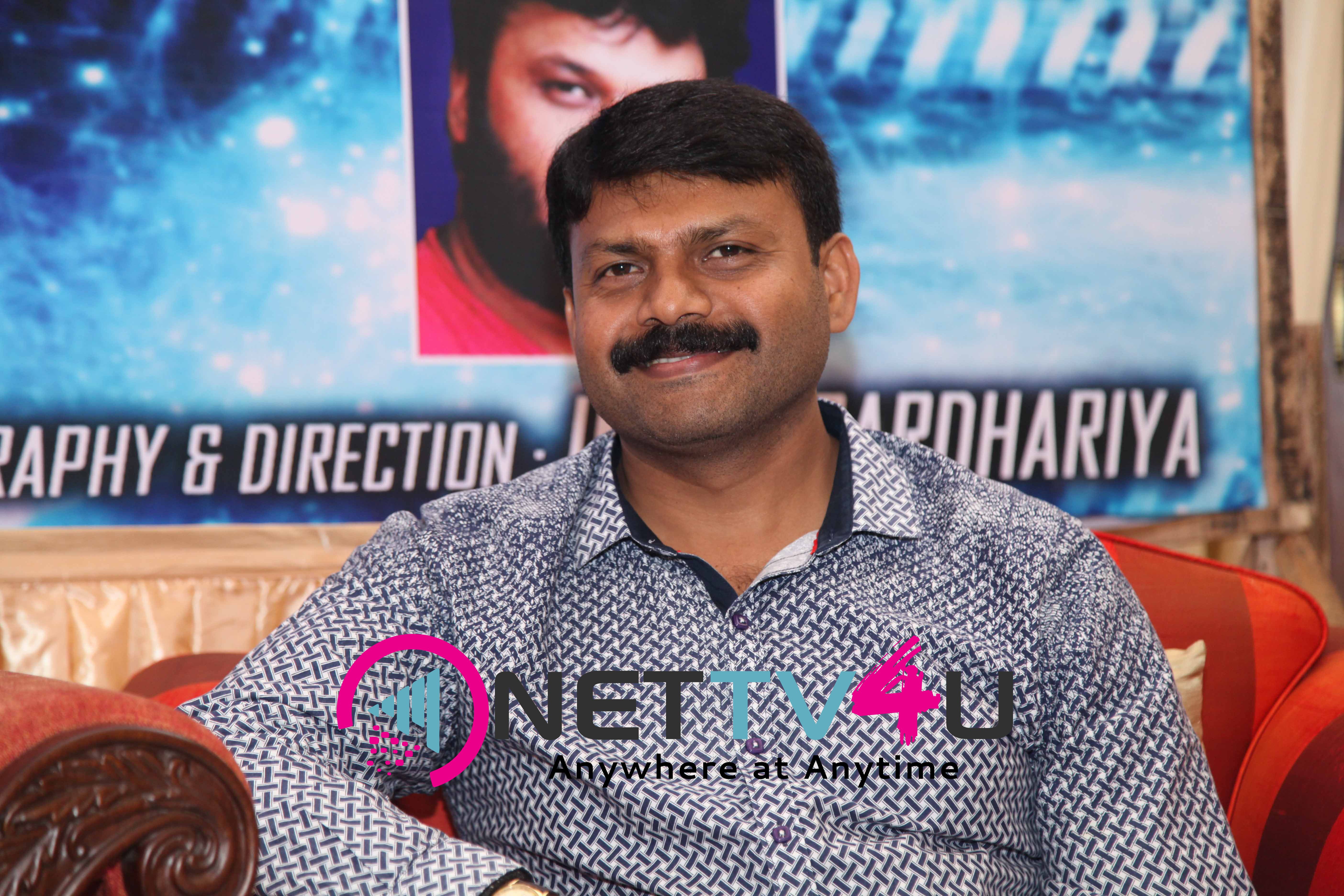 singer daler mehndi   shalabh kumar joined to produce kannada film check pressmeet stills 7