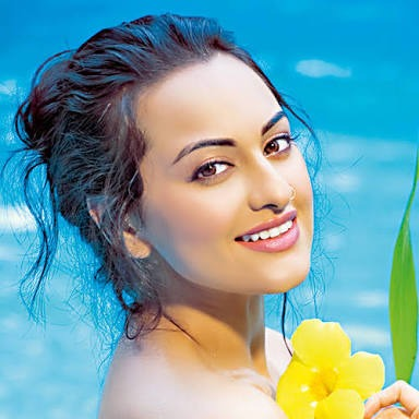 Sonakshi Bags Heroine Role In Namastey England