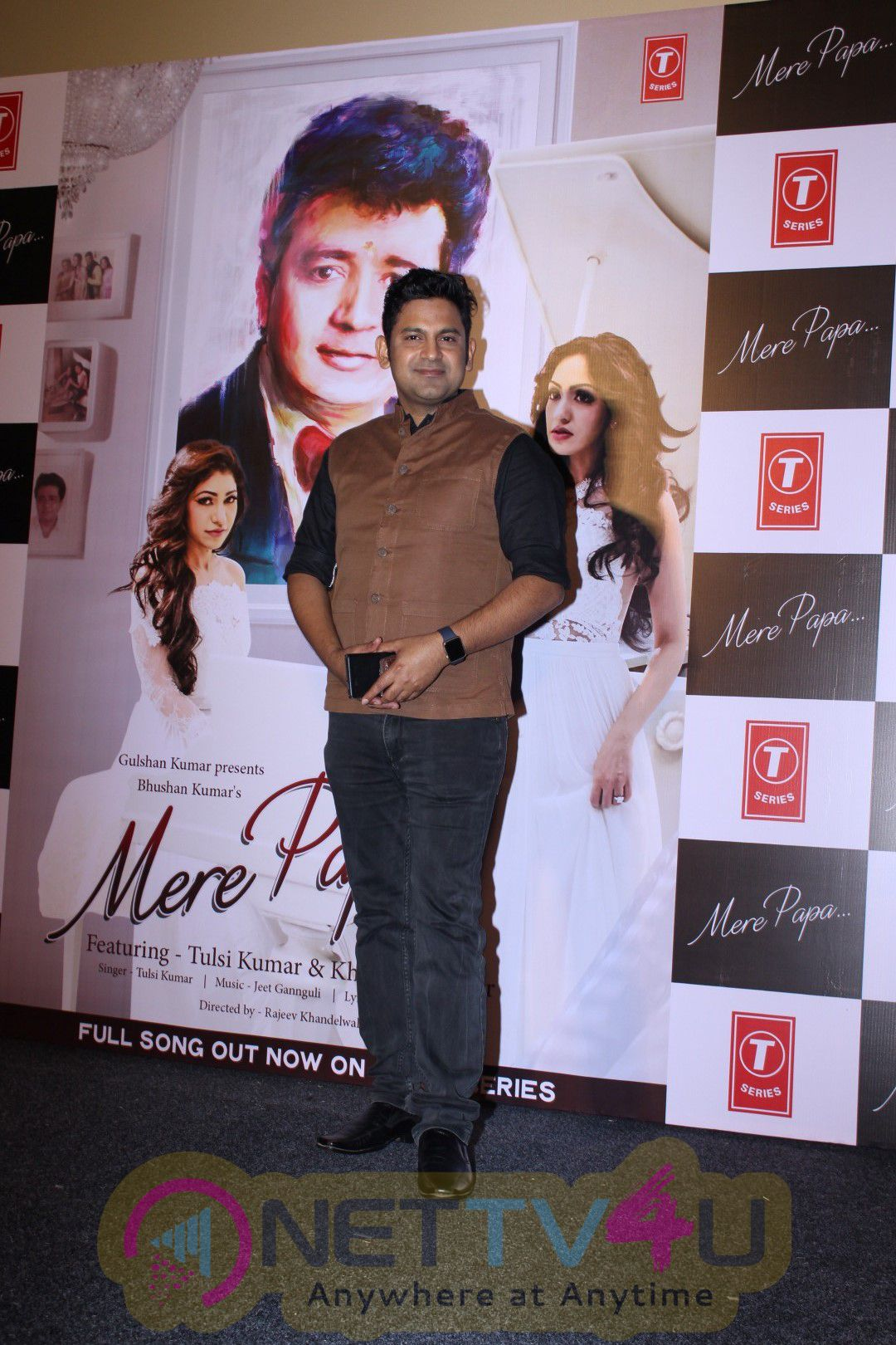 Sonam Kapoor & Anil Kapoor At The Song Launch Mere Pappa Latest Stills