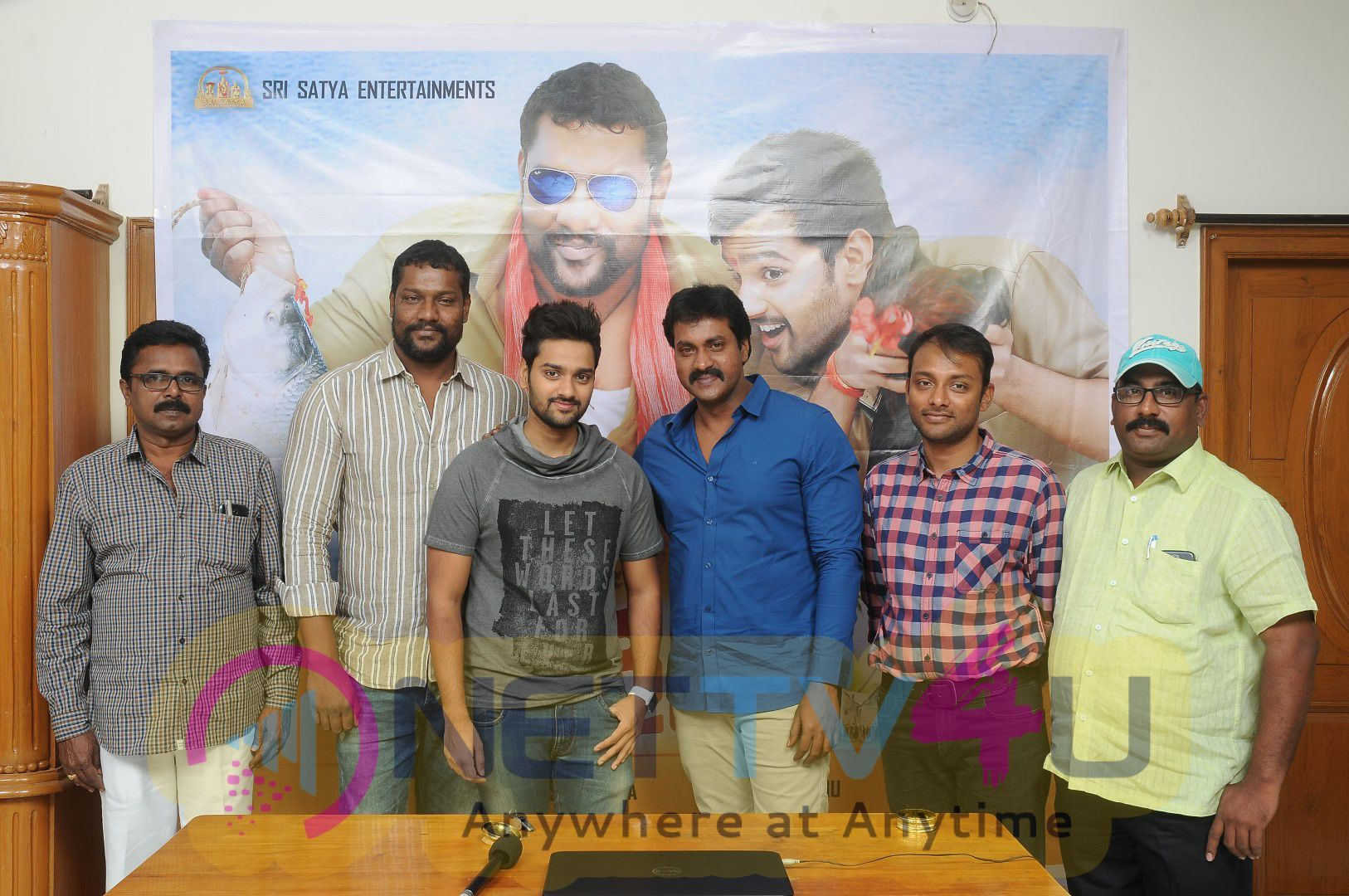Sumanth Ashwin's New Movie 'RIGHT RIGHT' Motion Poster Release Stills
