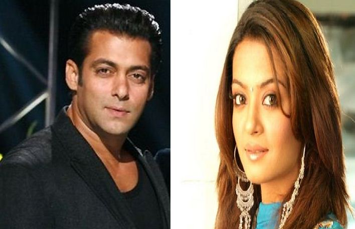 Surveen Chawla Denies To Visit Salman!