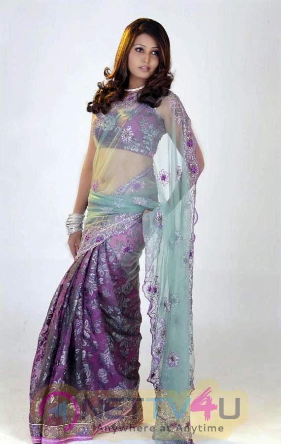 Tamil Actress Sandra Amy High Quality Photos
