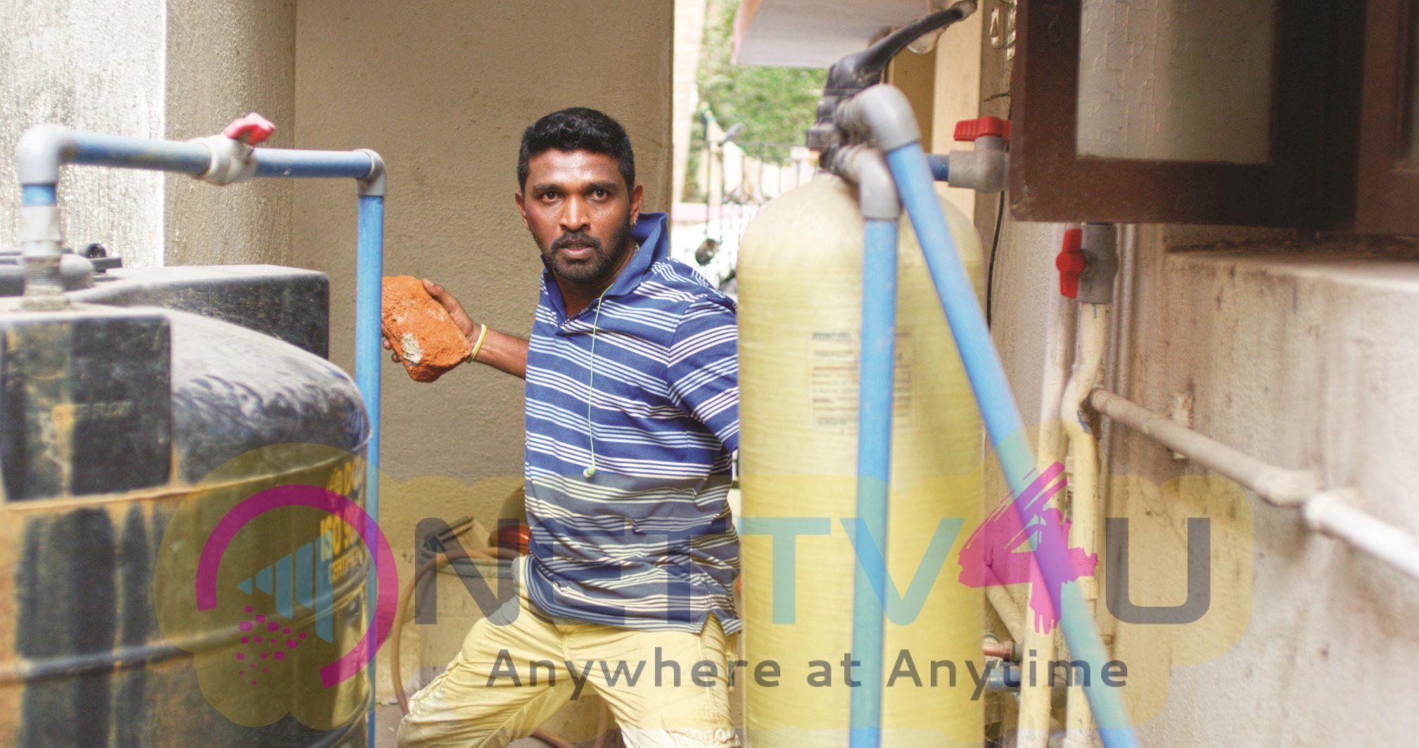 Tamil Movie Kadugu Working Attractive Photos
