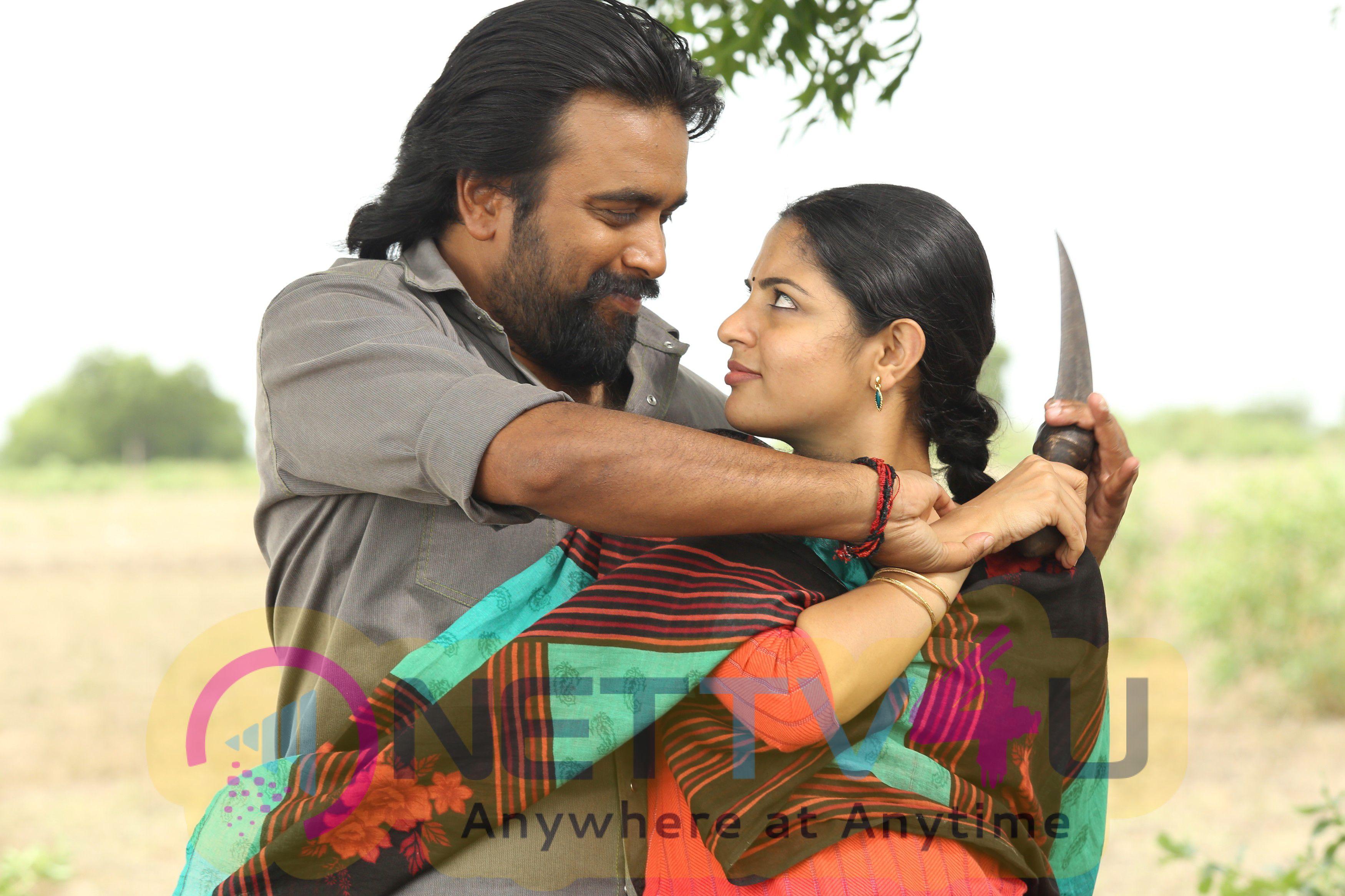 Tamil Movie Kidaari Attractive Stills