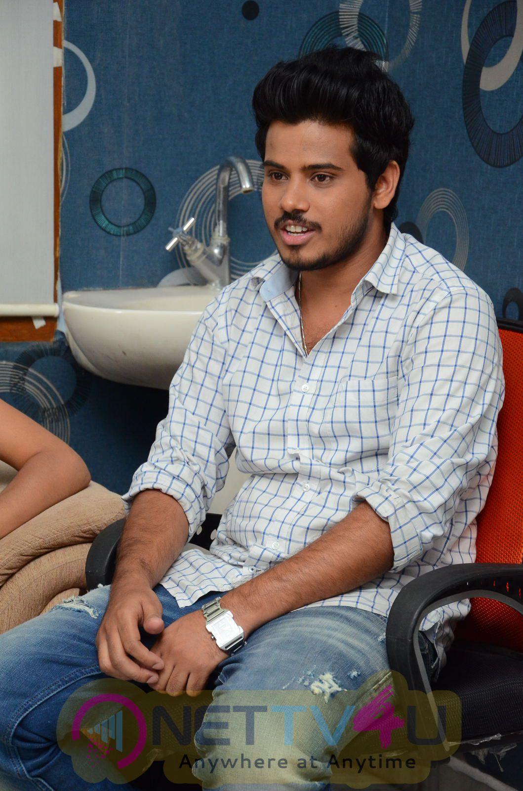 Telugu Movie Avasaraniko Abaddam Press Meet Exclusive Photos