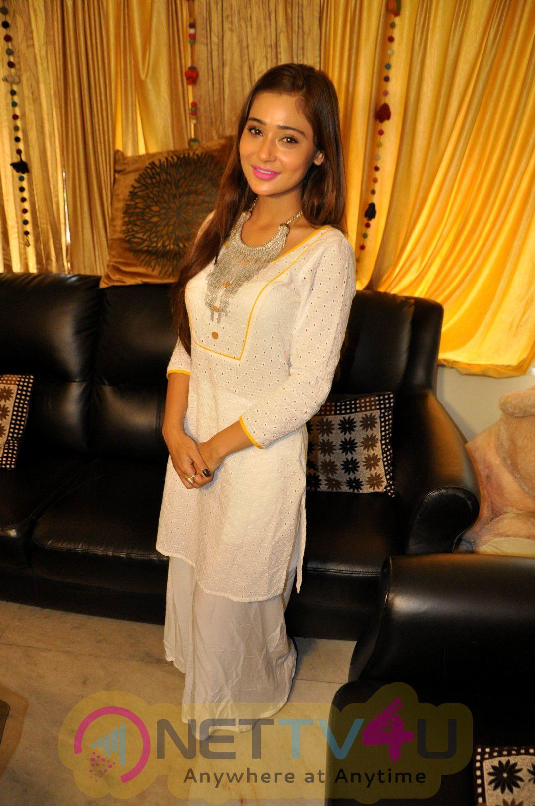 Tv Actress Sana Khan At Celebration Eid Delightful Stills