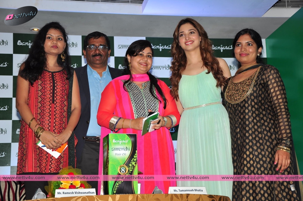 Tamanna Launches Banjara's Samvridhi Hair Oil