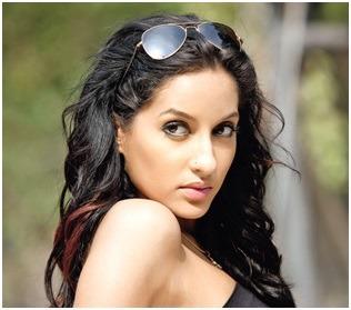 Tamannaah Rescued Nora Fatehi On A Wardrobe Malfunction