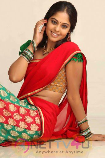 Tamil Actress Bindu Madhavi Latest Attractive Photos